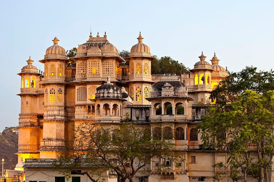 Day 2 Sightseeing in Udaipur | Marvel at the Bygone-Era Palatial Architecture