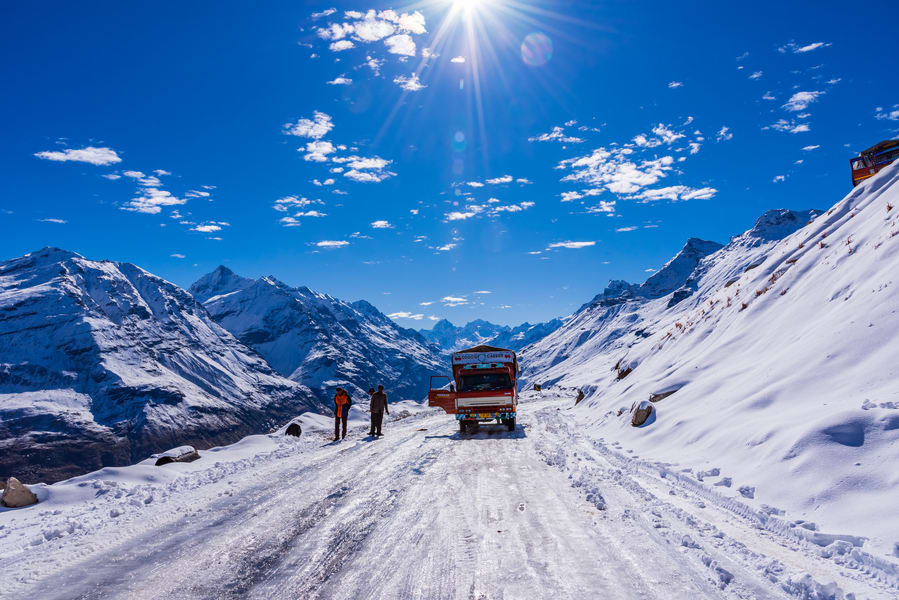 Day 5 Excursion to Rohtang Pass | Have a Unique Experience Driving Through the Walls of Snow